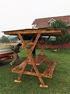 66 Trendy Ideas For Wood Pallet Ideas For Outside Picnic Tables Pallet Patio Furniture, Diy Furniture, Garden Furniture, Furniture Design, Backyard Projects, Diy Pallet Projects, Pallet Ideas For Outside, Picnic Table Plans, Picnic Tables