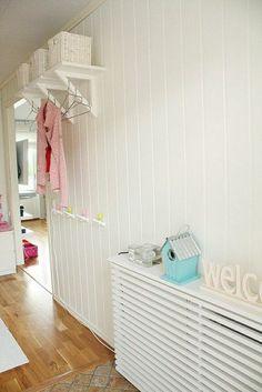 comment bien decorer le salon avec un joli cacher-radiateur castorama, et le cacher-radiateur fonte