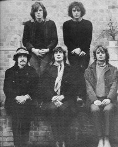 The best British psych band of all time? Probably. The Strange Brew pays tribute to Syd Barrett, David Gilmour, Nick Mason, Roger Waters and Richard Wright.