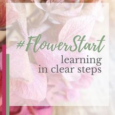Looking for that perfect Christmas gift?  Be like @cockleshellflowers and learn in clear steps.  Let me know if you'd like to find out more about #FlowerStart the 4-week online flower arranging class. . . . .  #thefloristthatteaches #flowerarranging #moveonmums