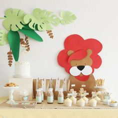 Safari Party with a lion cutout backdrop Safari Birthday Party, Jungle Party, Animal Birthday, 1st Boy Birthday, Baby Party, Birthday Parties, Party Fiesta, Festa Party, Lion Party