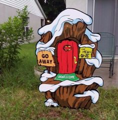 67 ideas for grinch door decorations for school yard art Christmas Classroom Door, Christmas Yard Art, Christmas Wood, Outdoor Christmas, Christmas Projects, Holiday Crafts, Grinch Christmas Decorations, Grinch Christmas Party, Christmas Themes