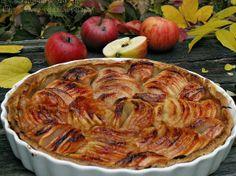 Ябълките са любимият ни плод през есента. Наслаждаваме се на гроздето, в различните му варианти, на крушите, на тиквите, на дюлите, но ябълките са безспорен фаворит. Освен пресни, в салати, под формата на сок ги хапваме на чипс, на мус и разбира се в сладкиши.