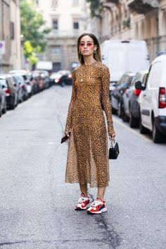 Nope, This Designer Shoe Trend Isn't Dying Yet - Street Style - Look Fashion, Autumn Fashion, Fashion Outfits, Womens Fashion, Fashion Tips, Fashion Trends, Fashion Websites, Fashion Stores, Fashion Weeks