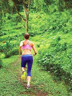 Build your strength and muscle with this hill workout routine for a powerful run. This workout will make you a faster and stronger runner. Get fit and in shape with this running workout routine.