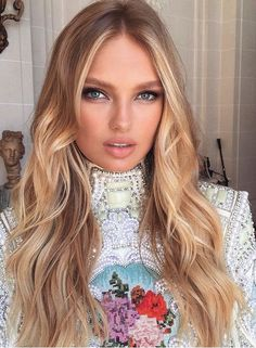 Touch Of Fashion Most Beautiful Faces, Beautiful Lips, Beauty Makeup, Hair Makeup, Hair Beauty, Hair Inspo, Hair Inspiration, New Hair, Your Hair