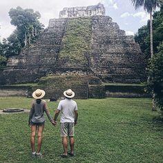 Este lugar mágico te llena de energía!!!!✨✨✨⛰ #tikal #peten #guatemala #honeymoon #lunademiel #mundomaya #culturamaya #viajedenovios