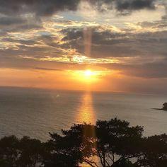 Por do sol espetacular #olioliteam #lifeisgood #praia #sol #mar #sunset @olioli_lifestyle