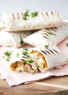 Caesar burrito's met kip (Laura's Bakery) Healthy Burritos, Frankie Recipe, Chicken Broccoli Soup, Healthy Diners, Birthday Snacks, Birthday Recipes, Lunch Wraps, Mexico Food, Sandwiches