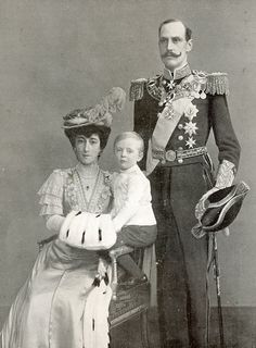 Queen Maud (King Edward VII of England's daughter), Crown Prince Olav and King Haakon VII of Norway (circa 1905).