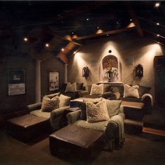 Oh I love this so much.. It could be like a media Room/ man cave.