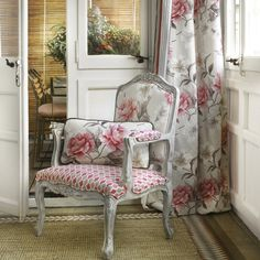 Sillón estampado de flores - Villalba Interiorismo