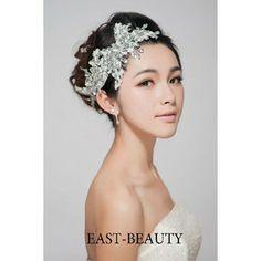 結婚式・ウェディング・ドレス・パーティー・発表会・演奏会・にぴったりなキラキラスートンXレース生地の手作りのヘッドドレス髪飾り