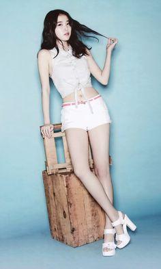 IU on 2015 Calendar Pretty Asian, Beautiful Asian Girls, Iu Fashion, Asian Fashion, Cute Korean, Korean Girl, Korean Beauty, Asian Beauty, Iu Twitter