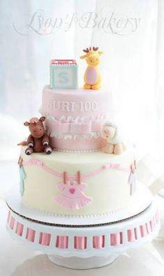 Já escolheu o bolo para seu chá de bebê? Hoje separei 36 ideias de bolos para você se inspirar, bolos que podem ser lindos e saborosos para seu chá de bebê.
