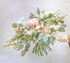 Softly Peachy  ..  Bridal bouquet with very romantic and sweet scent. Dahlia in light pink, plus peachy Juliet garden roses and white garden roses, Sweet pea and greenery. 10+ fresh ingredients to made up a unique bouquet for the very pretty bride.  .  We tailor design bouquet for the unique bride, just let us know what do you need:)  . . . #bridalbouquet #bridebouquet #hongkongwedding #weddingstyling #rustic #wedding #tailormade #floralarrangement #weddingdecoration #hkflorist #bouquet Romantic Wedding Flowers, Wedding Greenery, Rustic Wedding, Juliet Garden Rose, Garden Roses, Love Natural, White Gardens, Bride Bouquets, Floral Arrangements