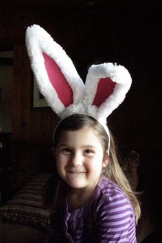 Make-and-Learn Crafts: Easter Funny Bunny Ears Fancy Costumes, Creative Costumes, Diy Halloween Costumes, Fall Halloween, Costume Ideas, Bunny Crafts, Easter Crafts, Easter Ideas, March Hare Costume