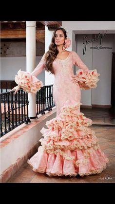 Vestido rosa con tonos de beige