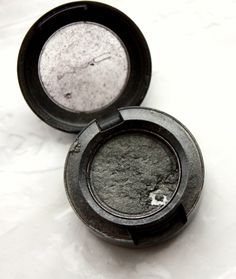 Repair shattered eyeshadows