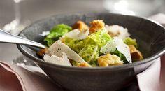 Savooiekoolsalade met mosterdvinaigrette Poke Bowl, Potato Salad, Salad Recipes, Foodies, Potatoes, Ethnic Recipes, Kitchen, Bowls, Salads
