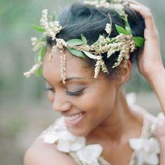 munaluchibride: So pretty. Photo by @Elizabeth Messina. Flower crown by Amy Osaba.