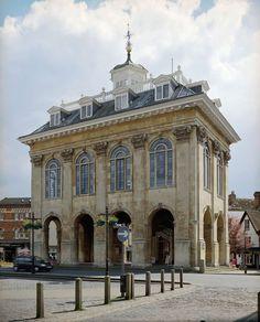 Abingdon County Hall Museum   English Heritage