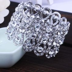 "Gorgeous ""Fashion Jewelry"" Full Crystal Rhinestone Stretch Bracelet"