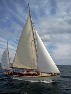 RL. Wooden yawl from 1929