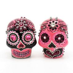 www.goodiemud.com  Fuchsia Pink and Black Day of the Dead theme Skull Lover Wedding Cake topper Hot Pink