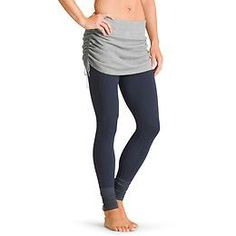 Relevé Sweater Skirt - Keep your assets toasty post-practice with a CYA sweater skirt over your leggings.  Medium size, please.