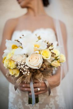 a golden bouquet Photography: Scobey Photography - scobeyphotography.com  Read More: http://www.stylemepretty.com/2014/05/08/vintage-indoor-affair-in-atlanta/