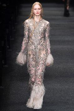 cool Inspiration Mode - fyeahgowns:Alexander McQueen Fall 2017