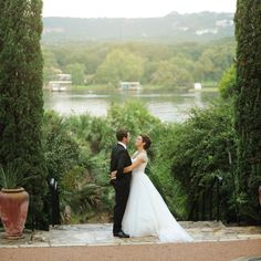 Style Me Pretty - Austin Museum of Art Laguna Gloria - One of my absolute favorite Austin wedding venues!