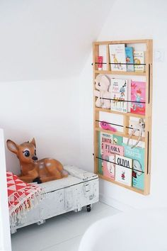 Latest Photo Chaos in the children's room? Tips An Ikea kids' space continues to intrigue the kids, as they are provided a lot more than just kid Ikea Kids, Ypperlig Ikea, Wall Bookshelves Kids, Bookshelf Ideas, Room Deco, Deco Kids, Kids Corner, Little Girl Rooms, Kids Furniture