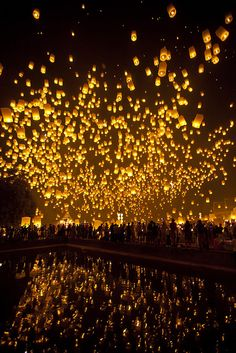 ★ Lively Yellow ★ Lantern Festival Chiang Mai, Thailand