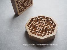 Maple wood Korean traditional window pattern 완자무늬 Traditional Windows, Korean Design, Korean Traditional, Korean Fashion, Community, Wood, Handmade Gifts, Pattern, Style