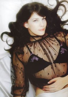 """Welcome to Loving Liv Tyler! Liv Tyler (born July is an American actress, best known for her role as Arwen in """"The Lord of the Rings"""" trilogy. Liv Tyler Hair, Liv Tyler 90s, Tyler Young, Bebe Buell, Steven Tyler, Beautiful Celebrities, Beautiful Women, Child Models, American Actress"""