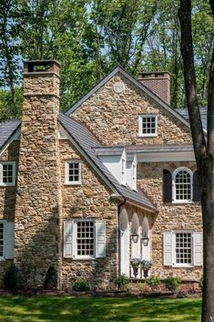 Colonial Revival Stone Farmhouse with arch top window details in Horsham, PA Colonial American Farmhouse Front Facade Architectural Detail by Period Architecture Stone House Revival, Style At Home, Stone Cottages, Architecture Details, Architecture Portfolio, Colonial Architecture, Lego Architecture, Cabana, Cottage Style