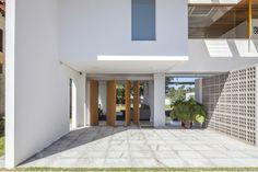 Linhares Dias House / DOMO Arquitetos