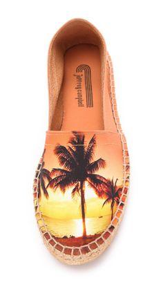Pin for Later: Les motifs palmiers nous font patienter avant l'été ! Espadrilles Jeffrey Campbell avec palmier Jeffrey Campbell Lugo Espadrilles ($100)