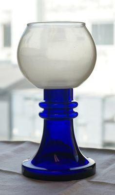 H= 20 cm. Cobalt Glass, Cobalt Blue, Shades Of Blue, Candle Holders, Candles, Tableware, Dinnerware, Dishes, Porta Velas
