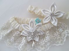 Ivory WEDDING Garter Set, Ivory Lace Garters w/ Pearls, Kanzashi Flower, Pearly Lace Garters, Retro Vintage Glamour Great Gatsby Weddings