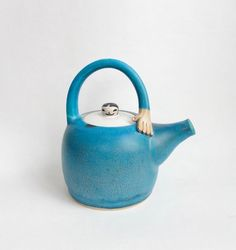 Lady stoneware teapot by Ximena Heasman // ceramics Pottery Teapots, Ceramic Teapots, Pottery Art, Ceramic Art, Gifts For Cooks, Sculptures Céramiques, Types Of Tea, Turquoise Color, Coffee Drinkers