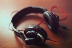Unos audífonos y otros giros de la vida Que la vida da muchas vueltas es un hecho. Nuestro editor nos cuenta los giros que han dado estos audífonos y las personas a su alrededor.