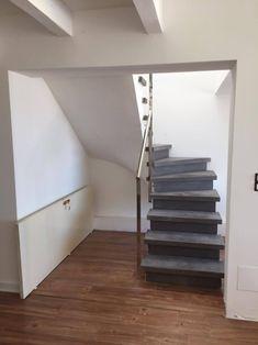 escalier b ton teint ton pierre 1 4 tournant vo te sarrasine pl tr e garde corps. Black Bedroom Furniture Sets. Home Design Ideas