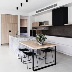Cuisine style contemporain - Expolore the best and the special ideas about Modern kitchen design Kitchen Island Bench, Kitchen Benches, New Kitchen Cabinets, Kitchen Dining, Kitchen Wood, White Cabinets, Kitchen Island Table Combination, Plywood Kitchen, Nice Kitchen
