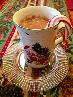 Ho Ho Holiday Cocoa made the healthy way! Only 38 calories/mug! #eatclean #christmas