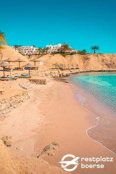 Ägypten kann nicht nur mit den Pyramiden punkten sondern auch mit seinen wunderschönen Stränden. #Urlaub #Tipps #Urlaub #Reisen #Beach Hotels, Strand, Beach, Water, Outdoor, Vacation Travel, Tours, Travel Advice, Nice Asses