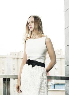 Manuela Vellés en VIM Magazine con vestido de Laura Bernal