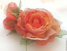 """Броши ручной работы. Ярмарка Мастеров - ручная работа Брошь- зажим, розы из ткани """" Огонек"""". Handmade."""